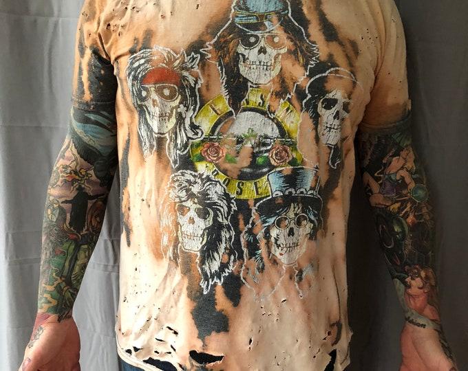 Distressed Guns N Roses Band Shirt - (Large) Axl Rose Slash Velvet Revolver GNR Duff McKagan Izzy Stradlin november rain use your illusion
