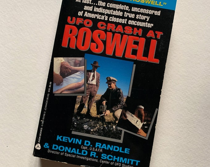 Vintage 1991 UFO Crash At Roswell Paperback Book Alien Flying Saucer Sci Fi Science Fiction Education Air Force Area 51 FBI  Philip J Corso