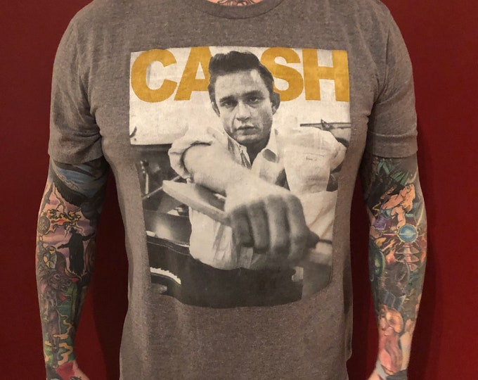 JOHNNY CASH (L) Band Shirt  Ring Of Fire Country nin Trent Reznor Country Music Folsom Prison Sun Records June Carter cma cmt Carl Perkins