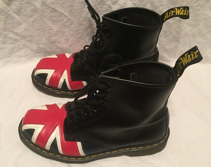 90s Dr. Martens AirWair Black Leather Union Jack Combat Boot Size 9 Punk Oi Punks Not Dead Punk girl Discontinued UK Subs The Clash GBH