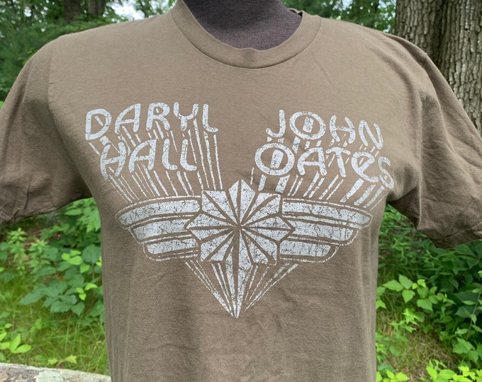 Daryl Hall and John Oates Band Shirt (M) Todd Rundgren Sarah Smile Tom Petty The Doobie Brothers Peter Frampton Billy Joel Steve Miller ELO