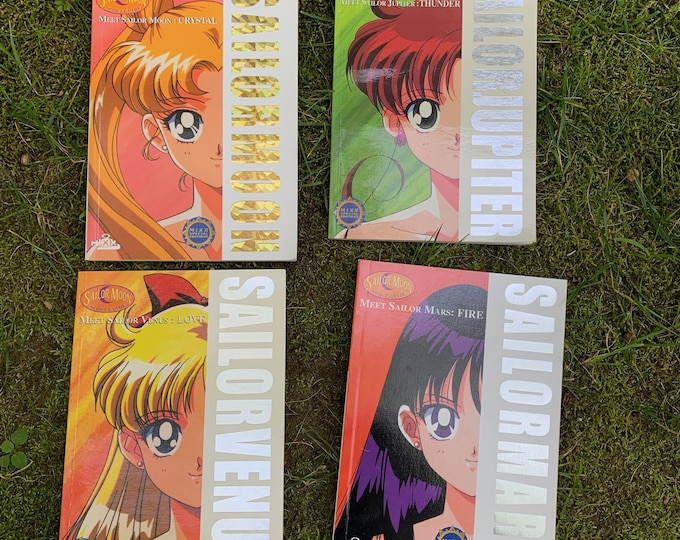 Vintage Lot of 4 Sailor Moon Scout Guide - Meet Sailor Moon Softcover Books Japanese Animation Anime TokyoPop Cosplay Adventure
