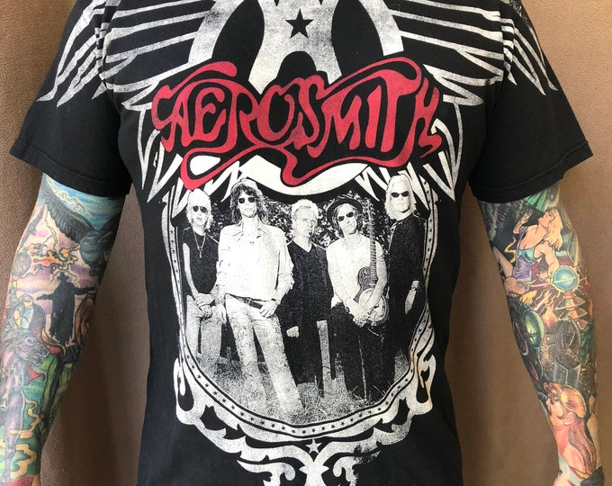 Aerosmith  2010 Tour Shirt All Over Print  (M) Steven Tyler Dream On  Boston Get Your Wings Joe Perry Godsmack Bon Jovi Def Leppard Kissband