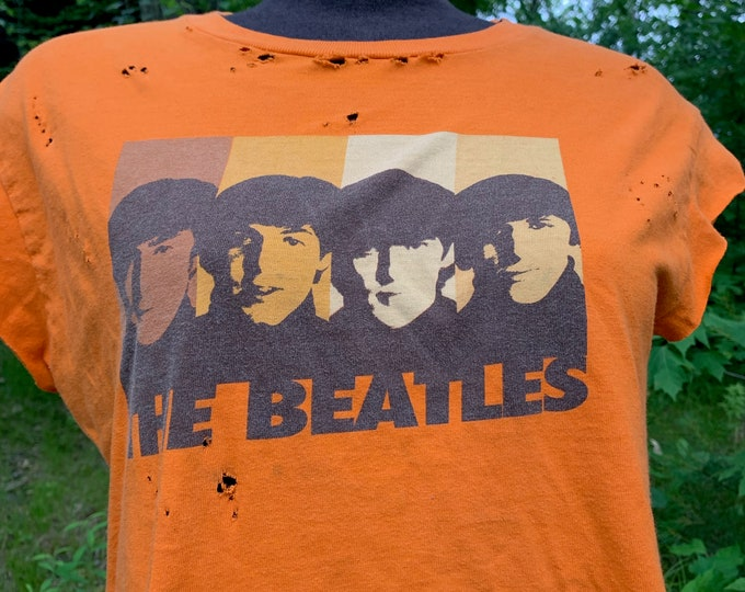 Distressed BEATLES Hard Days Night Band Shirt (M) John Lennon Paul McCartney Revolver Ringo Starr George Harrison Fab4 A Day in the Life