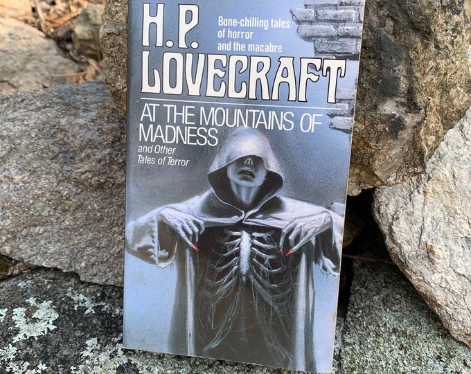 HP Lovecraft Paperback Book At The Mountains Of Madness Horror Edgar Allan Poe Stephen King Horror Dagon Ghosts Monsters The Call of Cthulhu
