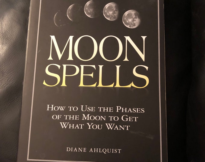 Moon Spells Astrology 2002 Softcover Book Witchy Astrologist Astrology Zodiac Psychic Horoscope Virgo Libra Luna Scorpio Leo Stars Crystals