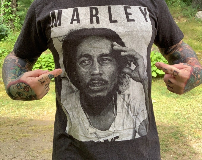 Jamaican Legend Bob Marley (L) Band Shirt Reggae Rasta Jamaica Wailers Ganja Rastafari Lion of Judah Zion One Love Wailers Marijuana Dreads