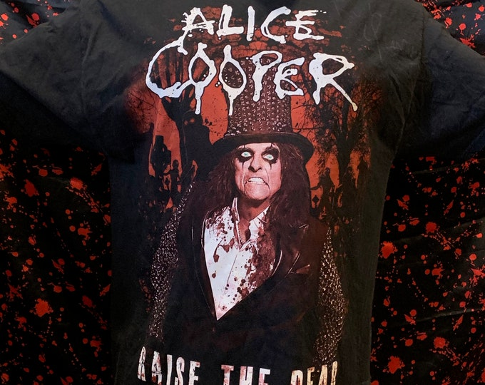 Autographed Alice Cooper 2013 Tour Shirt (XL) band shirt Welcome to my Nightmare Billion Dollar Babies Rob Zombie Marilyn Manson Shock Rock