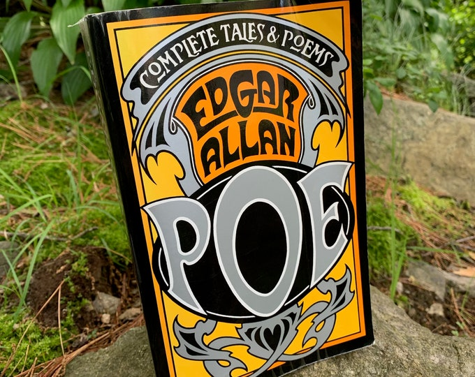 Complete Tales & Poems Edgar Allan Poe  Vintage Book Softcover Gothic Goth The Raven Vincent Price Novel Horror Telltale Heart  HP Lovecraft