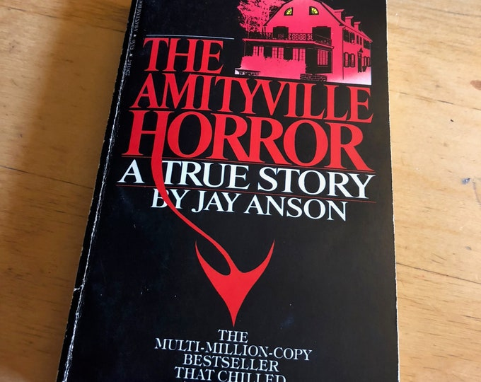 Vintage The AMITYVILLE  Horror  Paperback 1977  by Jay Anson - Horror - Exorcist Exorcism paranormal murder movies movie exorcist exorcism