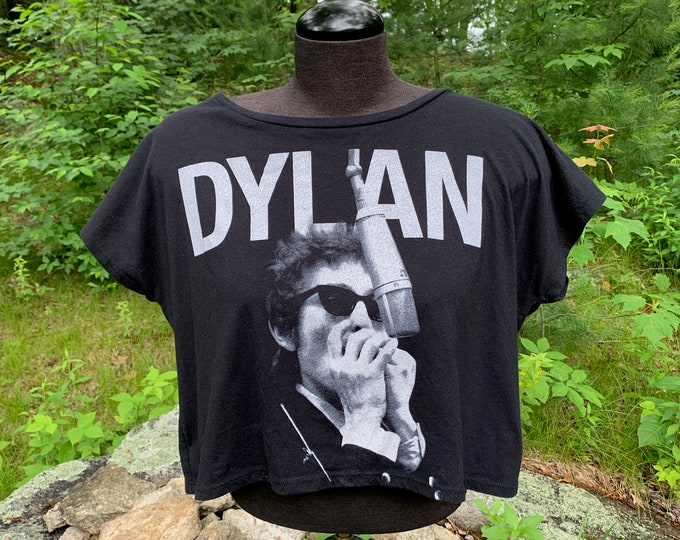 Bob Dylan Crop Top Band Shirt Acoustic Folk Poet Shirt (Ladies S / Slouchy Fit) Traveling Wiburys  Highway 61 Revisited Woodstock Poetry