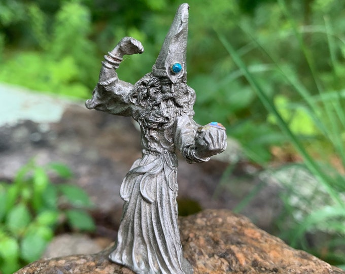 Vintage Wizard Holding Crystal Ball Pewter Figurine Fantasy Cosplay Barbarians Vikings Conan the Barbarian Dungeons and Dragons Magic Oracle