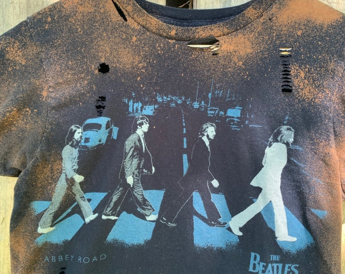 Distressed BEATLES Abbey Road Band Shirt (S) John Lennon Paul McCartney Revolver Ringo Starr George Harrison A Day in the Life Elton John