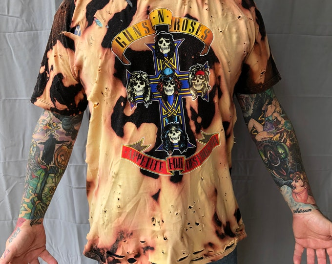 Distressed Guns N Roses Band Shirt - (XL) Axl Rose Slash Velvet Revolver GNR Duff McKagan Izzy Stradlin November Rain Use Your illusion