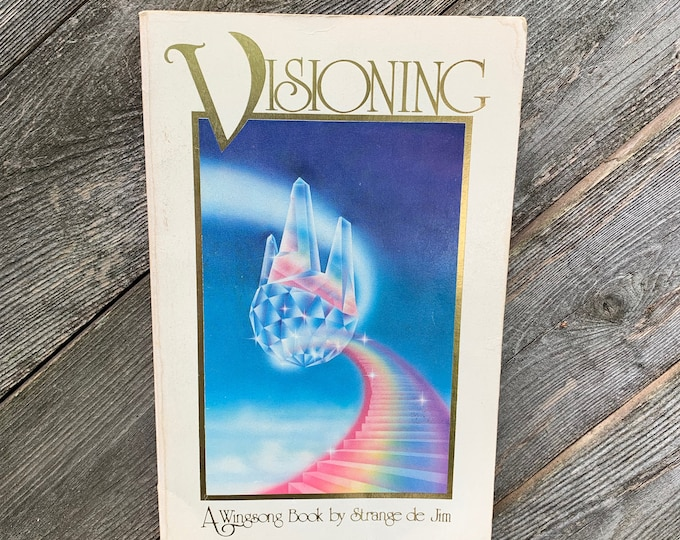 Vintage 1977 Visioning a Windsong Book Softcover Tarot Cards Witch Occult Psychic Crystals Amulets Gypsy CrystalBall Chakra Crystals Gems