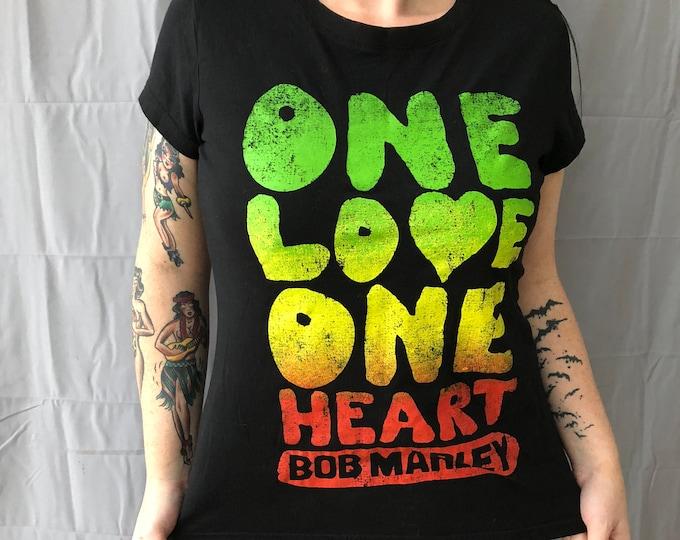Bob Marley Lively band shirt  Reggae Rasta Ganja Dreadlocks Ladies XL Rastafarian Rastafari One Love Wailers Band Tee Jamaica Jamaican Zion