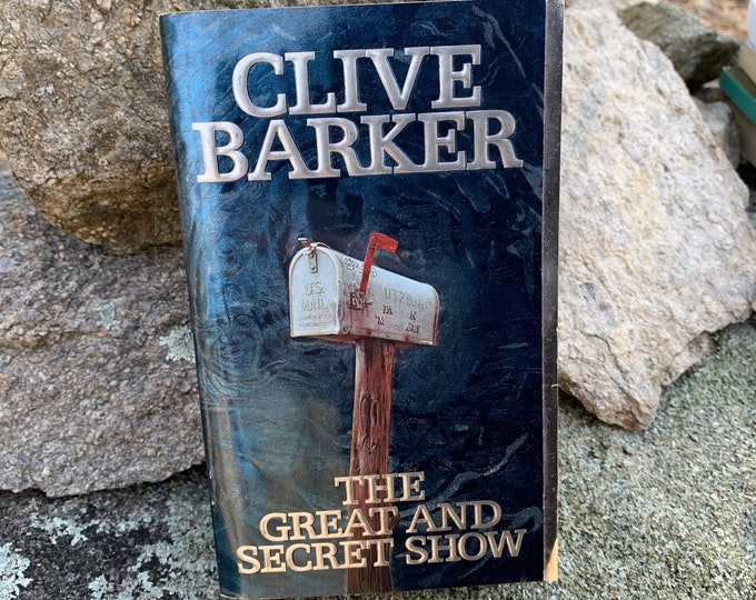 Clive Barker The Great and Secret Show Softcover Book 1989 Occult Novel Ritual Witch Witchcraft Michael Myers Hellraiser Terror Wes Craven