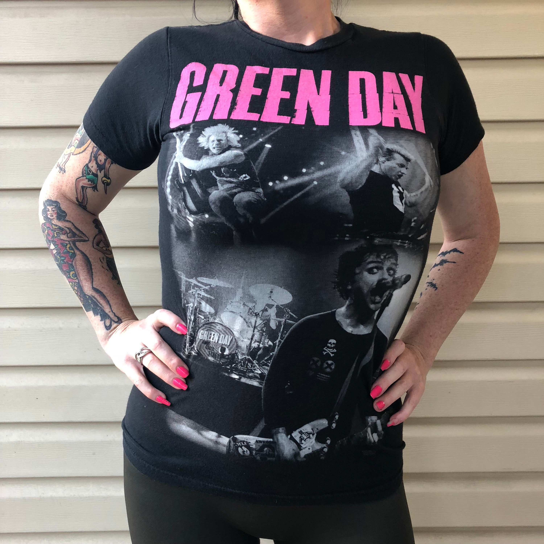 4a9096ecc Green Day - Ladies Slim Fit (XS) Pop Punk Billie Joe Armstrong Tre Cool  Mike Dirnt American idiot Nimrod guyliner sum 41 blink182 band shirt