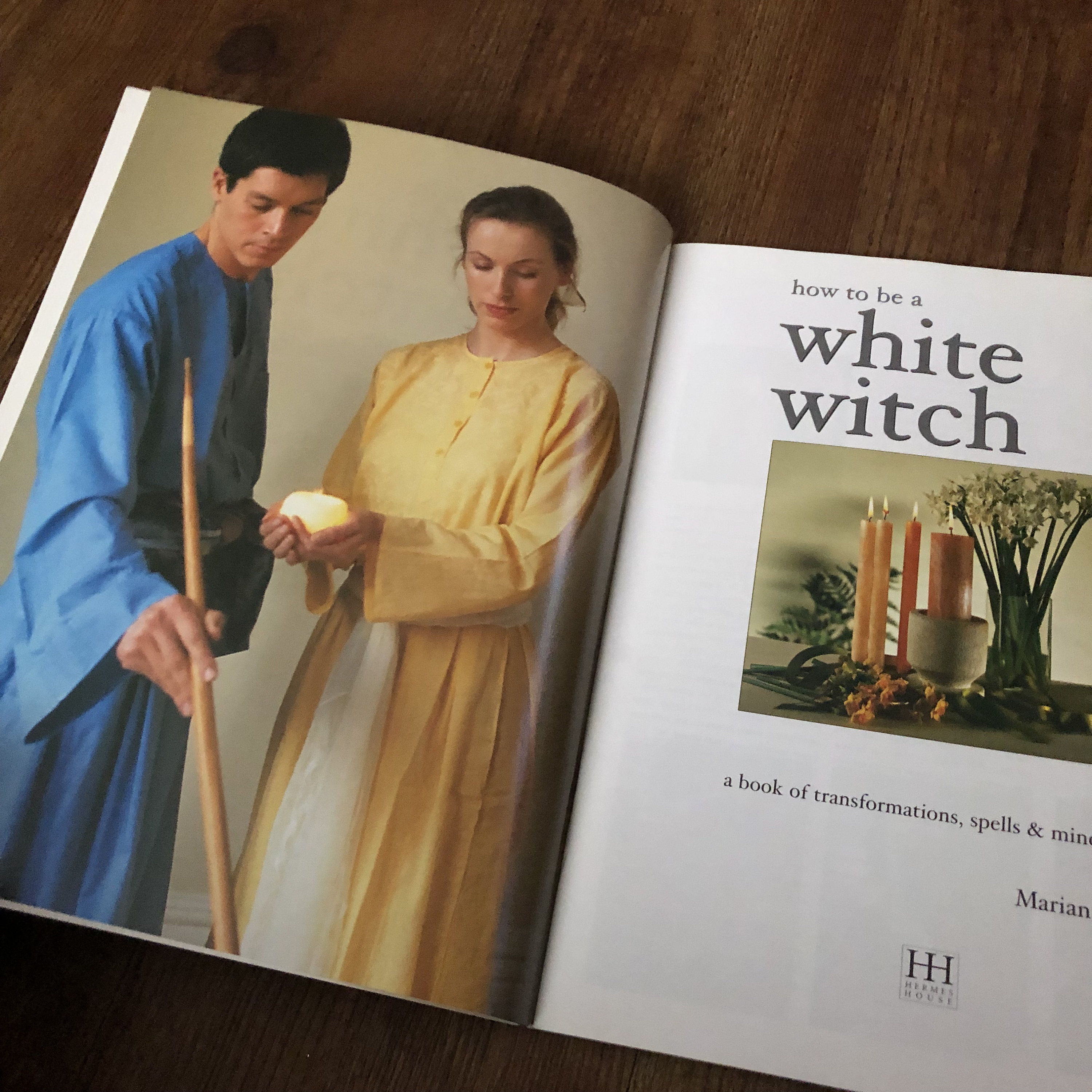 How to be a White Witch softcover Book - Wiccan witch