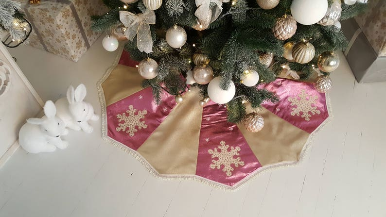 Pink Tree Skirt Rose Gold Decor Christmas Tree Skirt Snowflake Gift For Women Gold Rose Gold Christmas Gift Christmas Decor Gold Tree Skirt