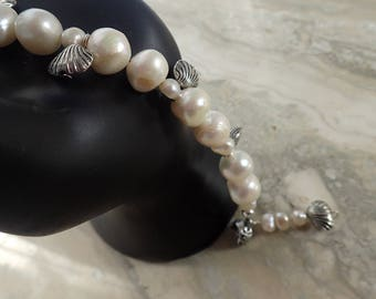 SHELLS and pearls with magnetic clasp