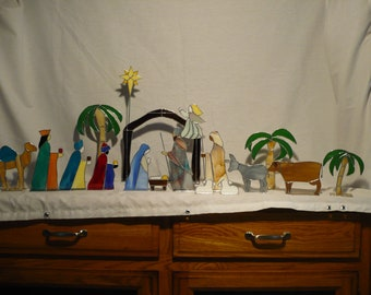 Stained Glass Nativity Set Fifteen  – 17 Pieces