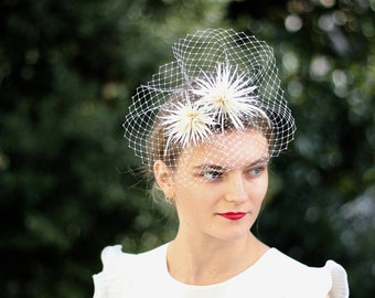 Ivory Feather Fascinator, Pom Pom Headband, Bridal Fascinator, Futuristic Hatinotor, Birdcage Veil Fascinator, Women Wedding Headband