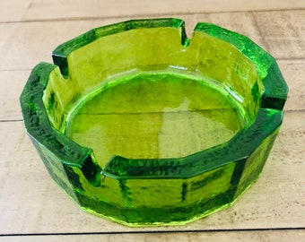 Vintage 12 - Sided Emerald Green Federal Glass Ashtray with Orange Peel Texture ~ 5.75""