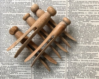 Vintage Round Clothes Pins ~ Set of 10