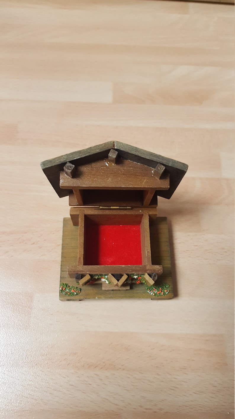 Winter Christmas Vintage Wooden Swiss Chalet Ring Box Unusual Kitsch Piece