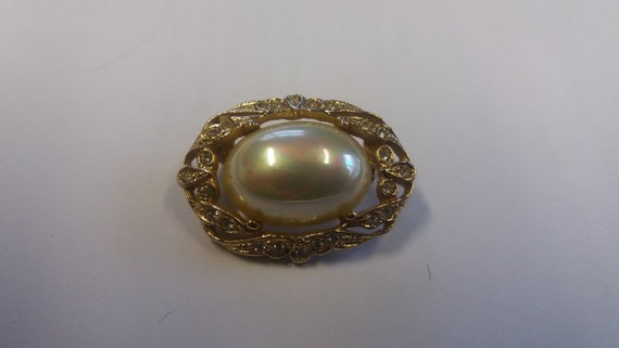 Stunning Piece Vintage Dinner Party Faux Pearl Kitsch Chic Boho Earrings