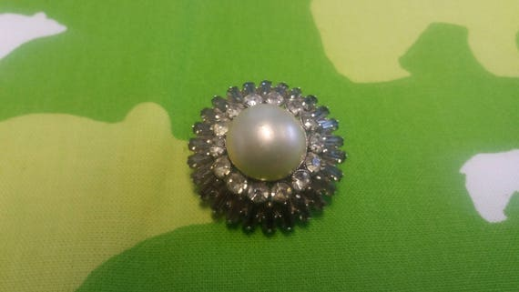Vintage Snowflake Gothic Style Brooch Kitsch Chic… - image 1