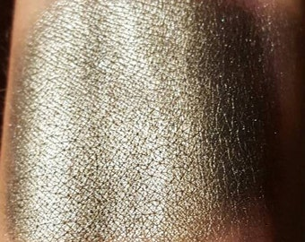 Knighthood Loose Duochrome Eyeshadow
