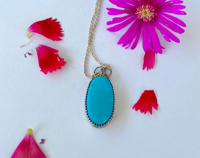 Classic Turquoise necklace // HANDMADE // Turquoise Jewelry // TURQUOISE solitaire