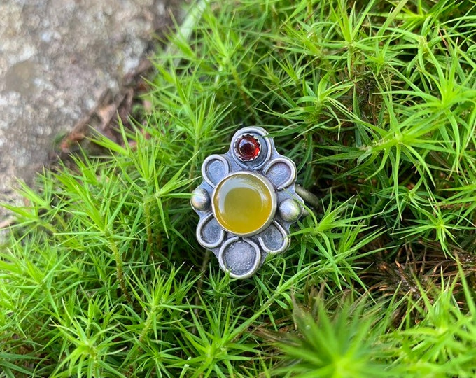 B L O O M, Sterling silver handmade, Garnet and Chalcedony, size 8