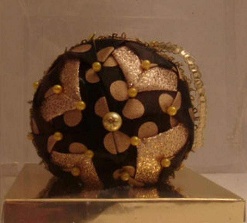 Black and Gold Polka dot Ribbon Ornament