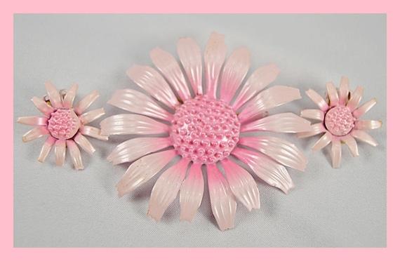 Vintage 50s 60s Pink Enamel Flower Brooch/Pin and