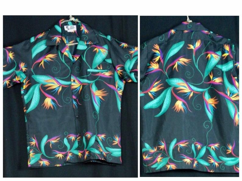 b84a04dd Vintage Hilo Hattie 70s Hawaiian Tiki Mens Button up Shirt   Etsy