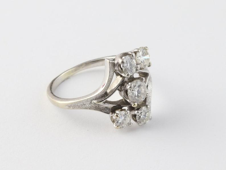 1950s Palladium gold ring with diamonds