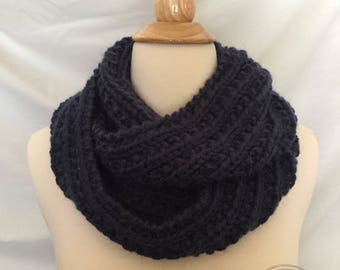 Infinity Scarf in Blue, Infinity Scarf, Blue Jeans, Knit Circle Scarf, Circle Scarf, Ribbed Scarf