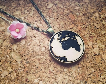 Earth - chain kind of wood, globe, travel, holidays, world