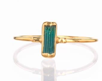 Vertical Raw Dark Blue Tourmaline Bar Ring, Dainty Gold Ring, Blue Tourmaline Ring for Women, Raw Stone Ring, Raw Crystal Ring