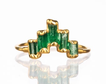 Art Deco Panjshir Emerald Contour Ring for Women, Gold Ring, Delicate Stack Ring, Dainty Contour Ring, Emerald Wedding Ring, Shadow Band