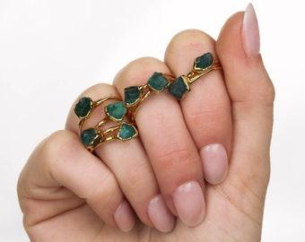 Raw Emerald Ring, Gold Raw Crystal Ring, Unique Engagement Ring, Rings for Women, Raw Stone Ring, Raw Gemstone Ring, Ringcrush, Taurus Ring