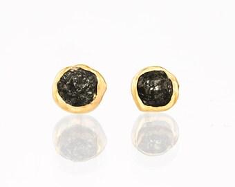 Raw Black Diamond Earrings, Gold Stud Earrings, Crystal Earring, Gemstone Earring, Dainty Earring, Diamond Jewelry, April Birthstone