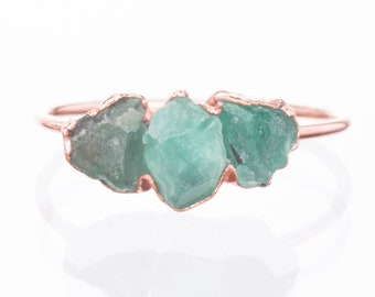 Triple Emerald Ring, Rose Gold Ring, Raw Emerald Ring, Raw Stone Ring, May Birthstone Ring, Gemstone Ring, Raw Crystal Ring, Delicate Ring