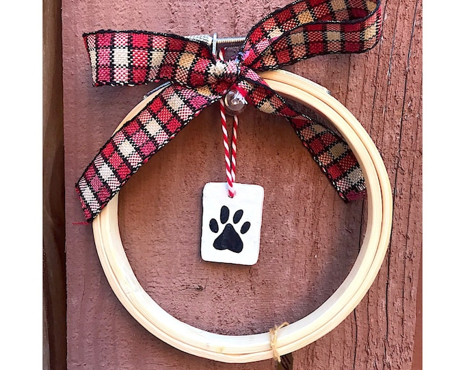 Paw Print- Embroidery Hoop Ornament.