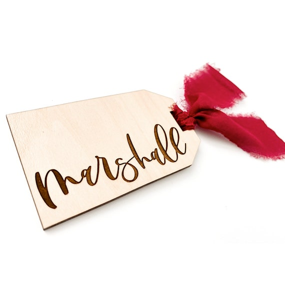 Gift tag. Personalized gift tag. Wooden gift tag. Calligraphy gift tag. Calligraphy name. Calligraphy names. Custom gift tag. Christmas tags
