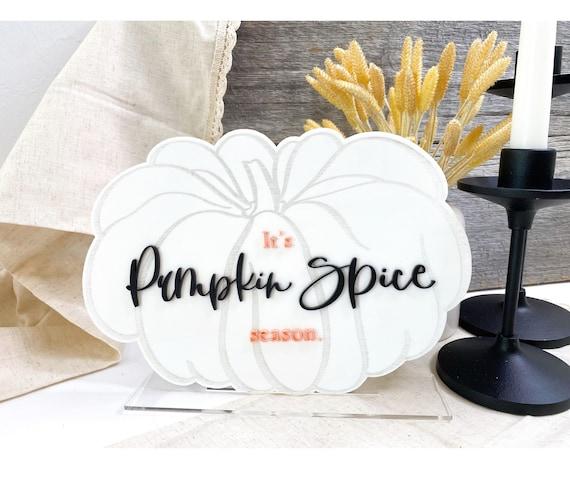 It's pumpkin spice season. Neutral Halloween. Boho Halloween. Boho fall. Boho fall decor. Pink fall. Pumpkin spice. Pumpkin decor.