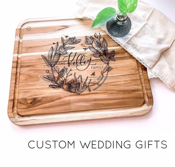 Personalized Cutting Board. Wedding Gift. Floral Cutting Board. Custom Cutting Board. Anniversary Gift.  Floral Wedding. Wedding Gift Idea.